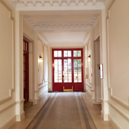 Réfection Rénovation Peinture du Hall d'entrée d'un immeuble parisien
